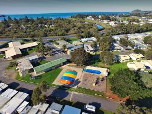 Victor Harbor Holiday  Cabin Park - Accommodation Perth