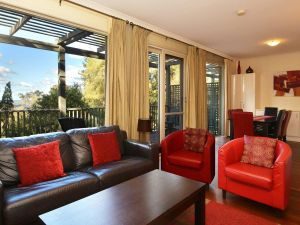Villa Cypress located within Cypress Lakes - Accommodation Perth